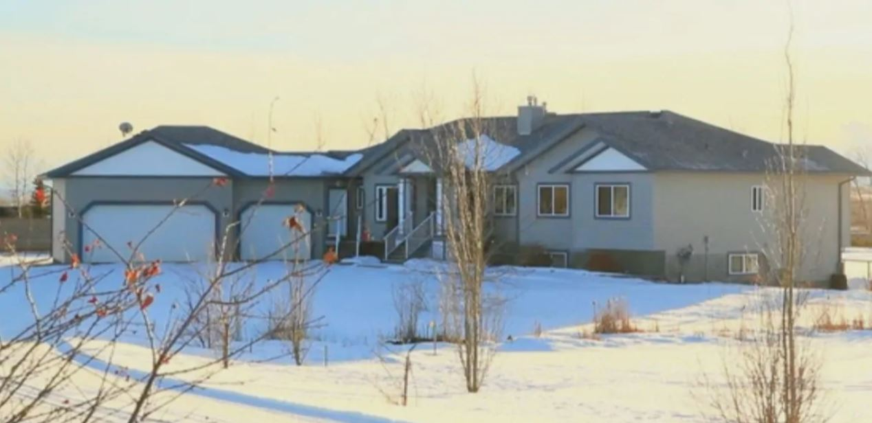 Calgary homeowner says realtor who 'misrepresented' square footage on MLS cost her thousands